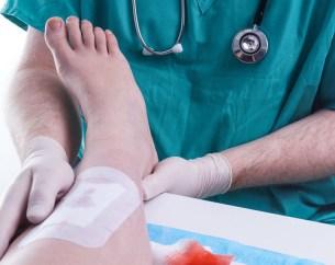 Cara Membersihkan Luka Bernanah Pada Penderita Diabetes