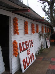 une pause achats à entre rios, la region de l'orange. On a acheté des pots de morceaux de lievre en vinaigrette!