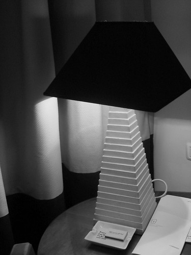 oh clever, pyramid shaped lamps in a hotel overlooking Giza