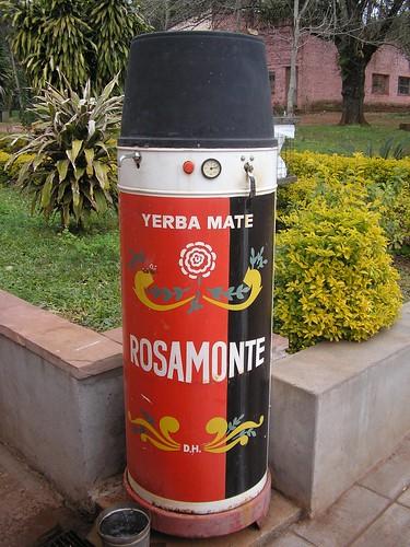 eau chaude gratuite à chaque station essence pour les thermos