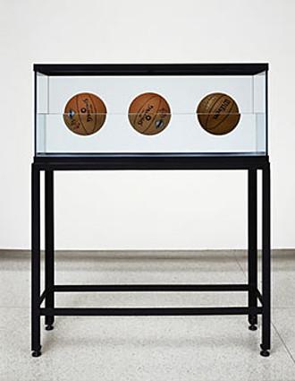 Jeff Koons Spalding Sculpture