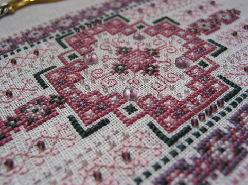 Rose Mosaic Needle Roll