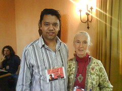 Ramon Thomas meets Jane Goodall at TEDGlobal in Tanzania, 2007