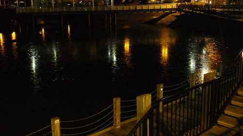 Frozen bay in Cardiff