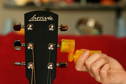 restringing guitar - 02