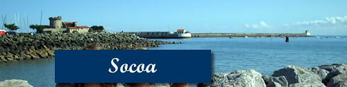 Vista del fuerte y el malecón del puerto de Socoa