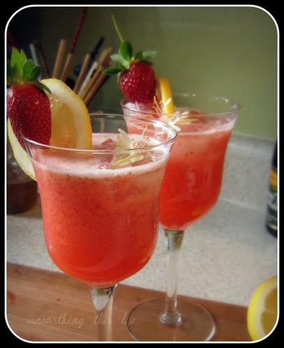 Strawberry & honey-suckle lemondade