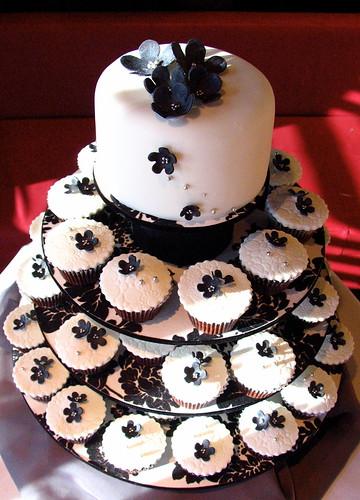 1385137313 0579685766 Baú de ideias: Decoração de casamento preto e branco