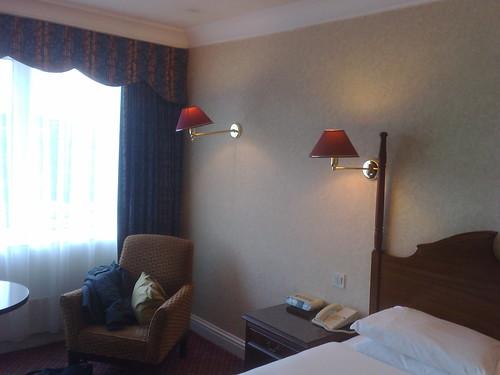 Burlington Hotel Uneven lamps