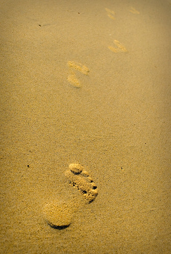 footprints in sand again