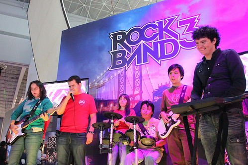 EGS 2010: Rock Band 3