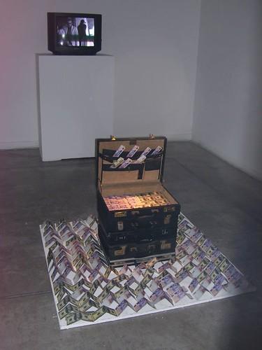 hacer dinero-instalacion (9) por zukerfeld.