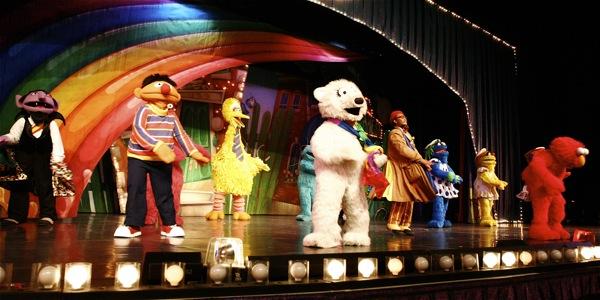 Sesame Street Live: Elmo's Coloring Book - 27
