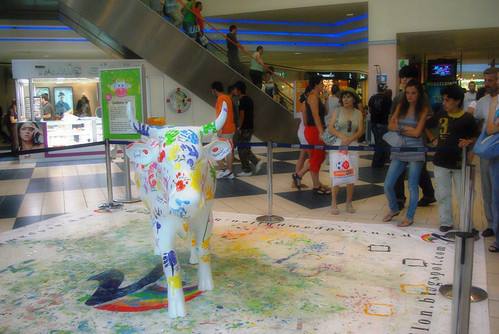 a cow in Cowparade Istanbul event, Istanbul, Pentax k10d