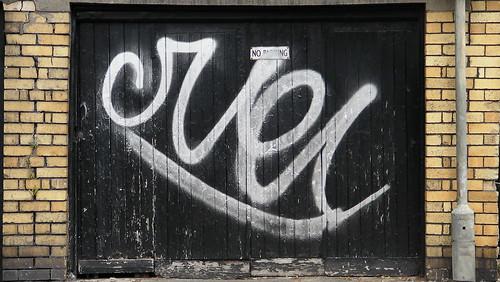 Duel graffiti in Riverside