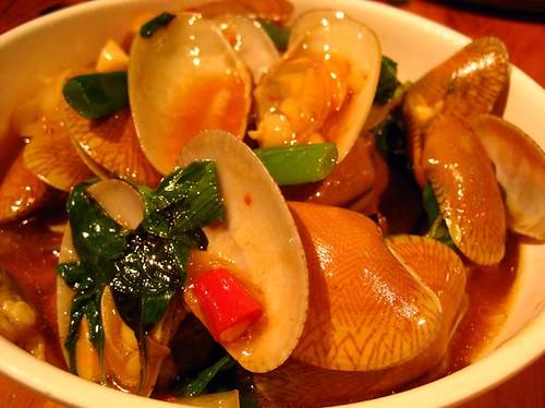 STIR FRIED CLAMS WITH BASIL / 炒海瓜�