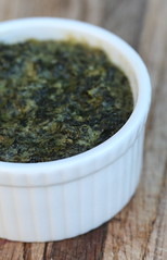 Spinach and Roasted Garlic Spread
