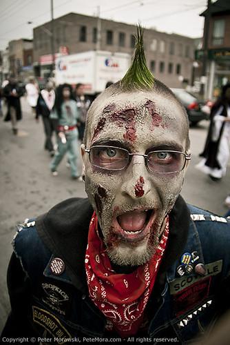 Toronto Zombie Walk 2010: Arwrr