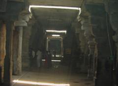 Sun rays from the ceiling in the inner praharam