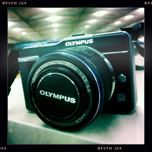 Got a review unit E-PL1 from Olympus just in time for the weekend