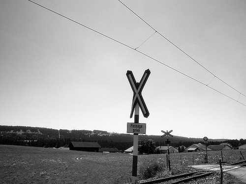 Traincrossing B&W