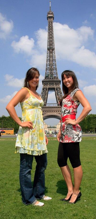 Ana, Jelena et la Tour Eiffel