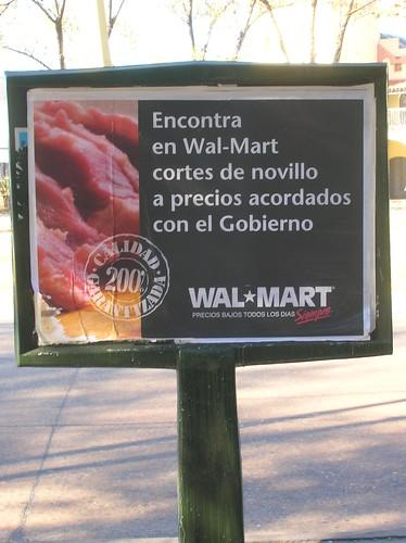 Aviso de Wal Mart encontra del idioma