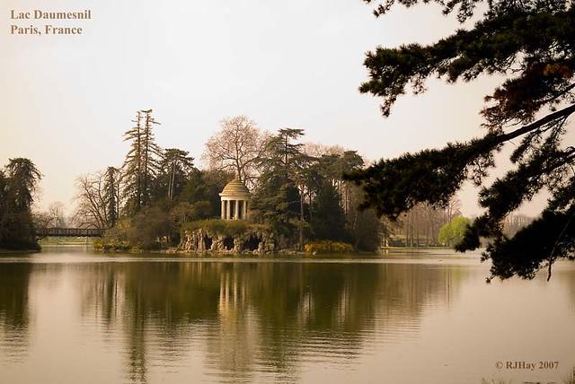 Lac Daumesnil, Paris, France