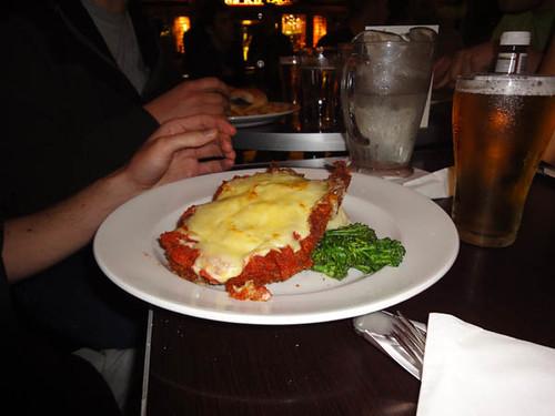 The Edinburgh Castle Hotel: Chicken parmigiana w/ mash & veg