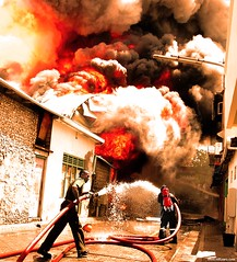 Fire: Disaster in the city © millzero.com