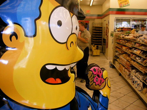 Wiggum eats a Donut at Kwik-E Mart in Las Vegas