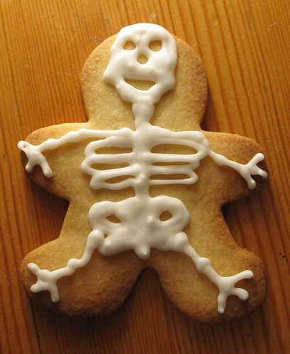 Smiley skeleton cookie