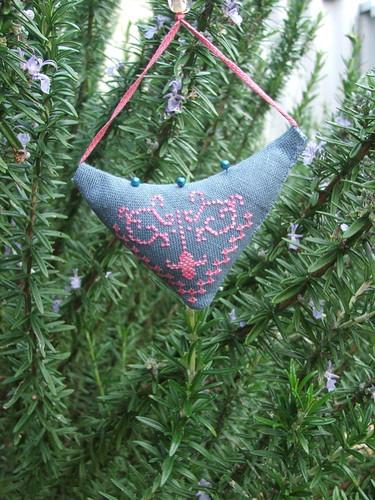 Hanging pincushion from Barbara
