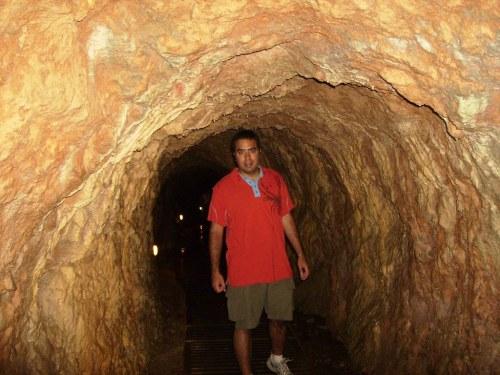 Gruta en el Parque Natural del Monasterio de Piedra