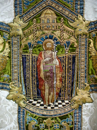 St John's Epping - White Bodley Chasuble 004