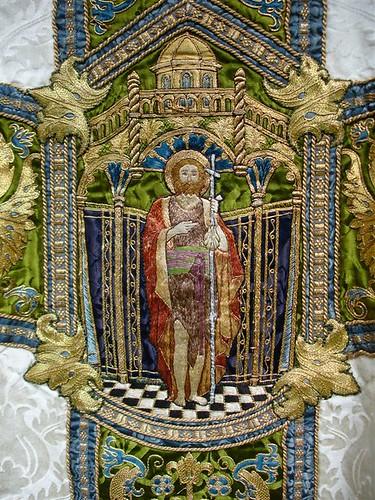 St John's Epping - White Bodley Chasuble 004