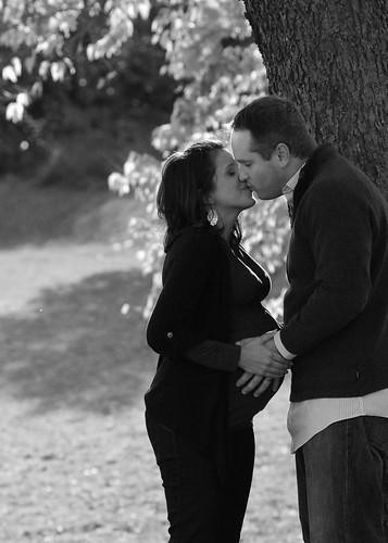 Mike & Traci Maternity 526 b&w