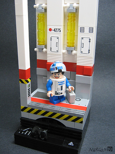 Kevin Chen as R2-D2 (Vignette with figure)