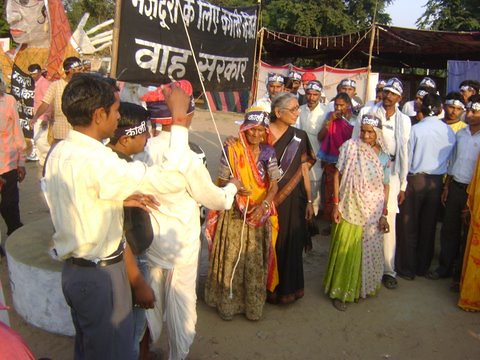 Pics from the satyagraha - 5 Nov 2010 - 17