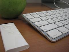 teclado fininho e controle remoto
