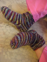 FO lil warm socks for Kailey