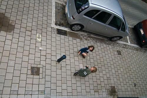 Zelie en Karel op straat