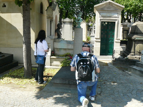 Elly and Leo at Passy Cemetery