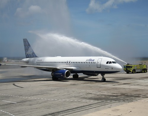 JetBlue's first Boston to Aruba flight touches down!