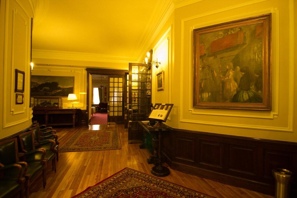 Interiores de la Sociedad Bilbaína