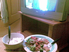 10092007dinner by the tv