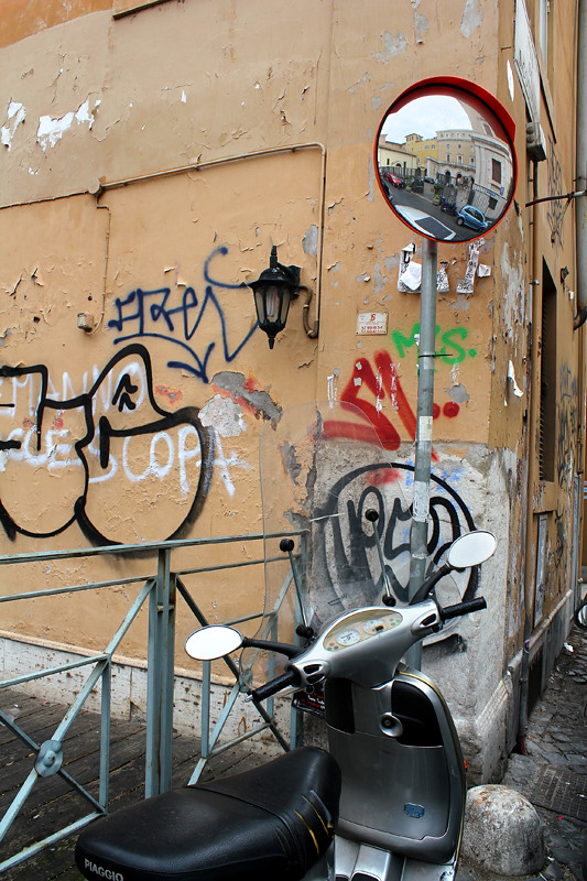 Ugly graffiti all over Rome