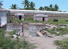 Brahma theertham and the lingams that Brahma worshipped in the Nandhavanam