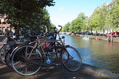 canali di amsterdam e biciclette