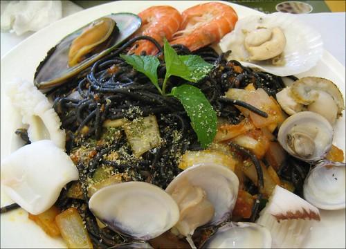seafood cuttlefish spaghetti